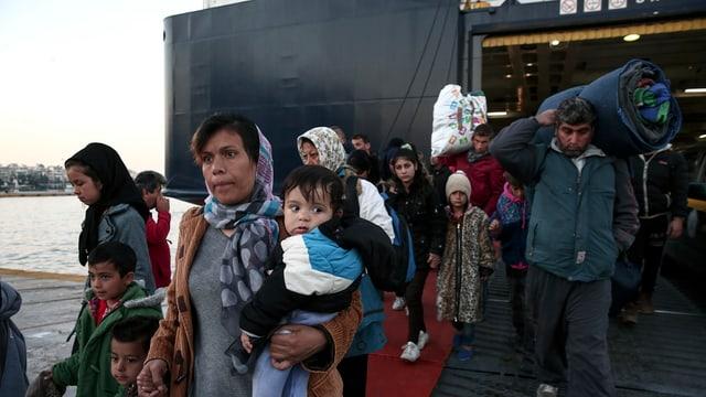 Il 2015 èn radund 850'000 fugitivs vegnids sur mar da la Tirchia en la Grezia.