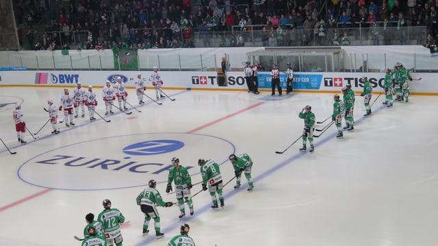 Eishockey-Mannschaften vor dem Spiel
