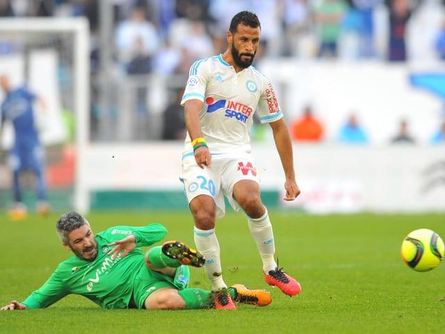 Zweikampf im Spiel zwischen Marseille und St. Etienne