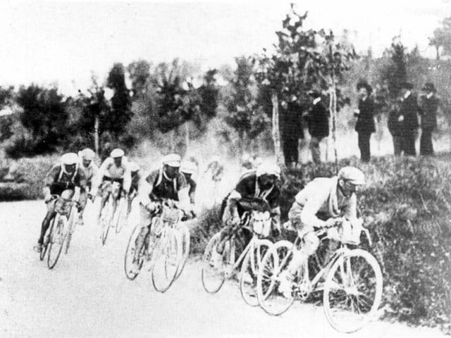 Radfahrer beim ersten Giro d'Italia