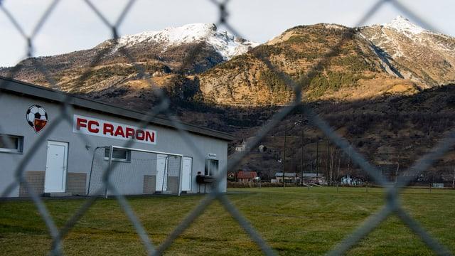 Der Trainings-Platz des FC Raron.