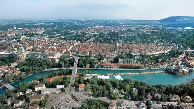 Die Stadt Bern und ihre Umgebung aus der Vogelschau