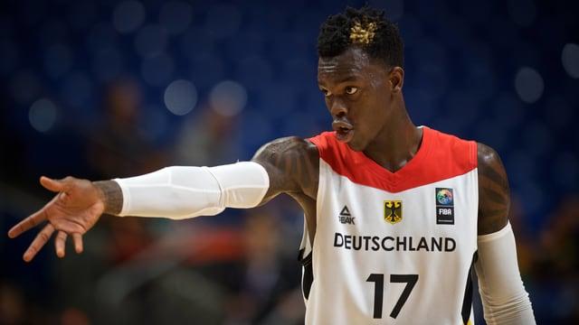 Ein Basketballer.