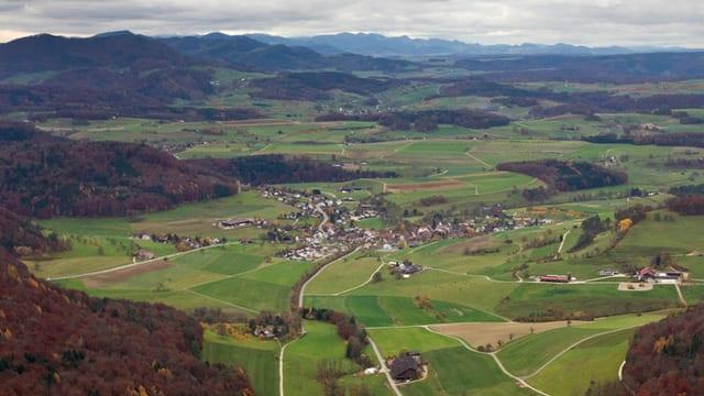 Luftaufnahme von Effingen.