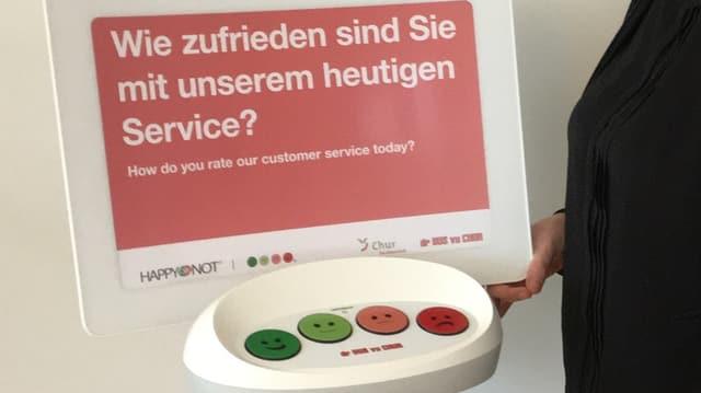 Fahrgastbefragung mit Hilfe von vier Buttons.