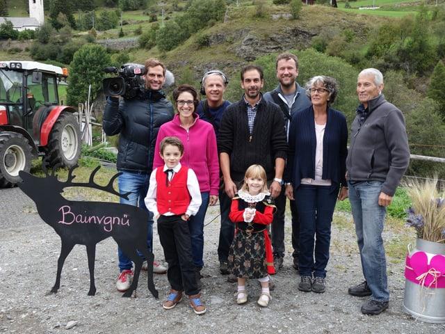Familie Padrun und die Fernsecrew.