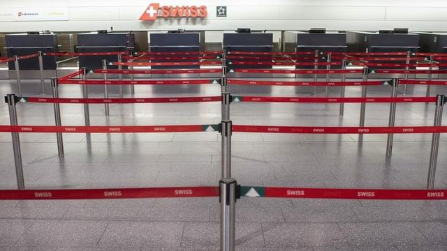 Der Check-In Bereich der Swiss ist leer.