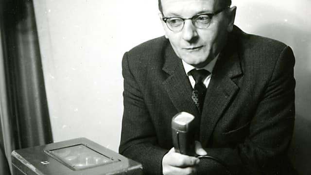 Purtret sin il scrivent e schurnalist Tista Murk.