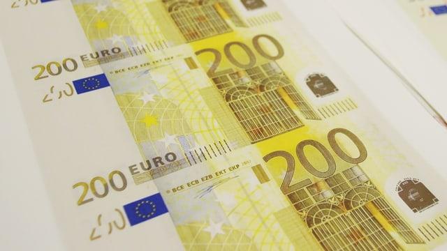 Notas da 200 euros.