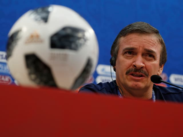 Costa-Rica-Coach Oscar Ramirez.