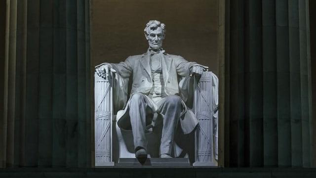Lincoln-Statue beim Lincoln Memorial in Washington DC