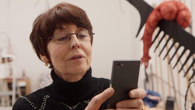 Video «Annette Messager: Begegnung mit der französischen Künstlerin» abspielen