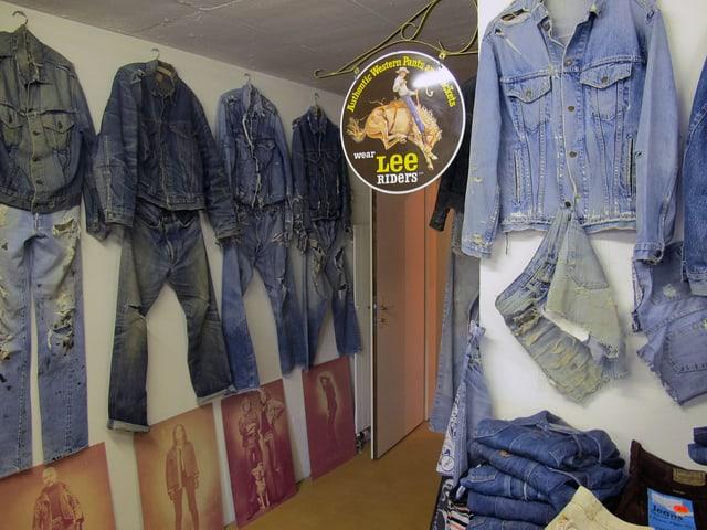 Jeanshosen und Jacken
