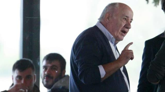Ortega spricht.