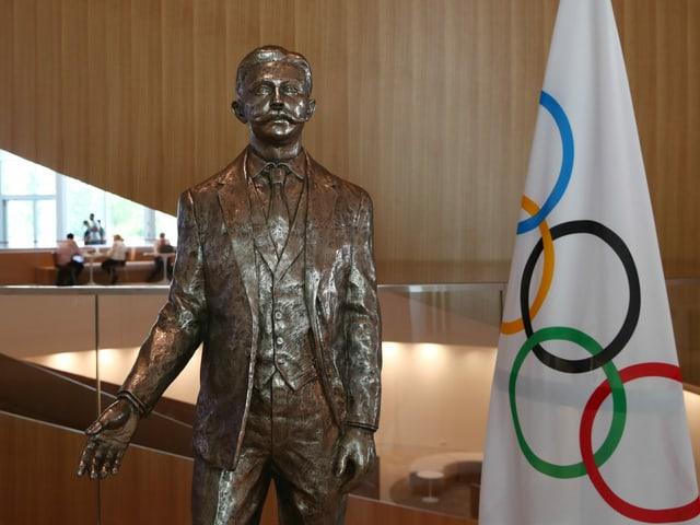 Bronze-Statue von Pierre de Coubertin