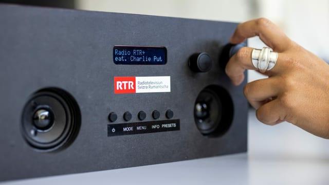 Radio DAB+ fabritgà sez cun si logo da RTR