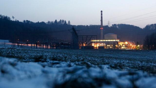 AKW Mühleberg in der Abenddämmerung
