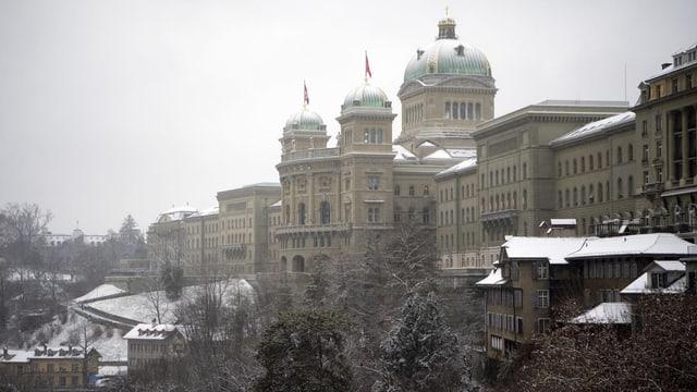 Bundeshaus im Schnee.
