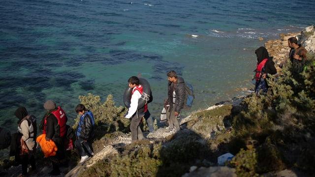 Migrants sa preparan da viagiar da la Tirchia vers la Grezia.