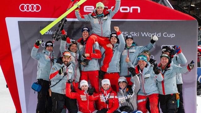 La selecziun svizra per il campiunadi mundial ad Are.