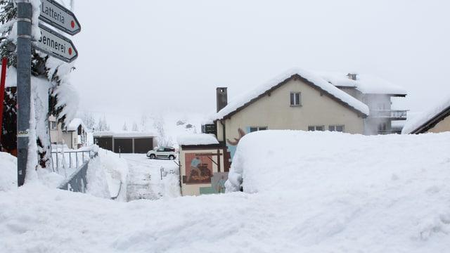 Viel Schnee im Dorfzentrum