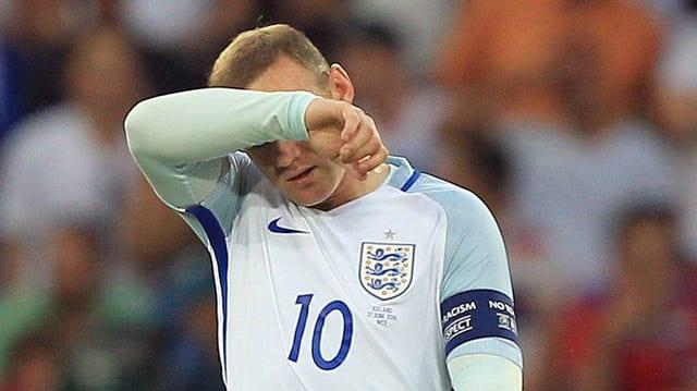 Rooney verbirgt sein Gesicht