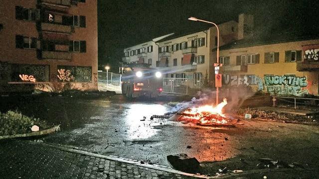 Strasse in Flammen