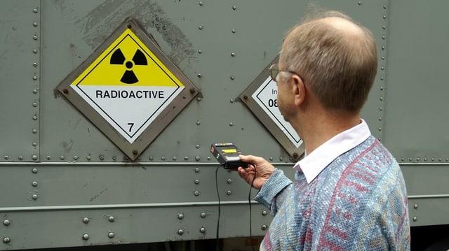 Messung an radioaktivem Container