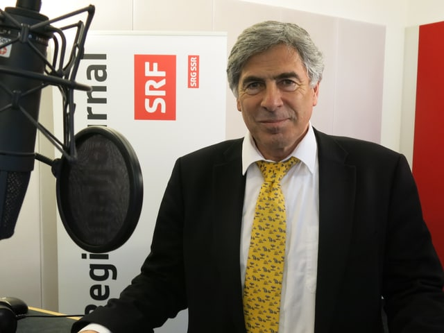 Christoph Eymann im Radiostudio.