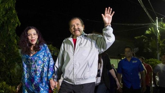 Daniel Ortega e sia dunna Rosário Murillo.