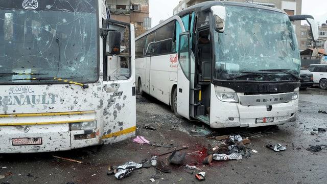 Bus destruids, tocca per terra.