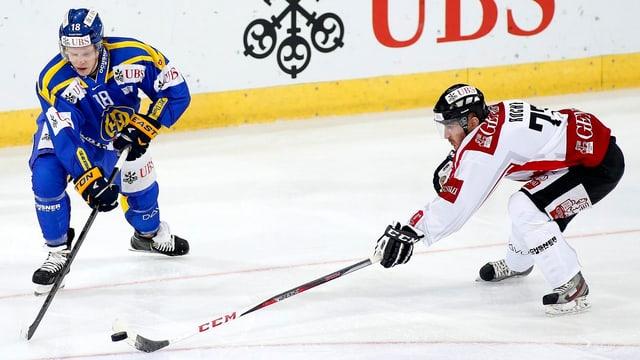 Team Canada, im Bild Travis Roche Vorjahres-Final gegen Davos, muss ohne Schützenhilfe aus der NHL auskommen.