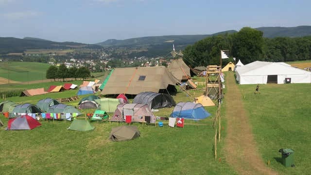 Blick vom Aussichtsturm auf das Jungschi-Lager.