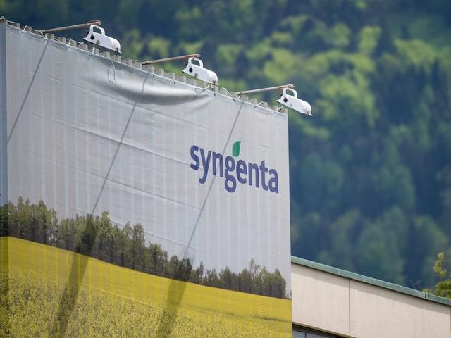 Syngenta Logo auf Fassade