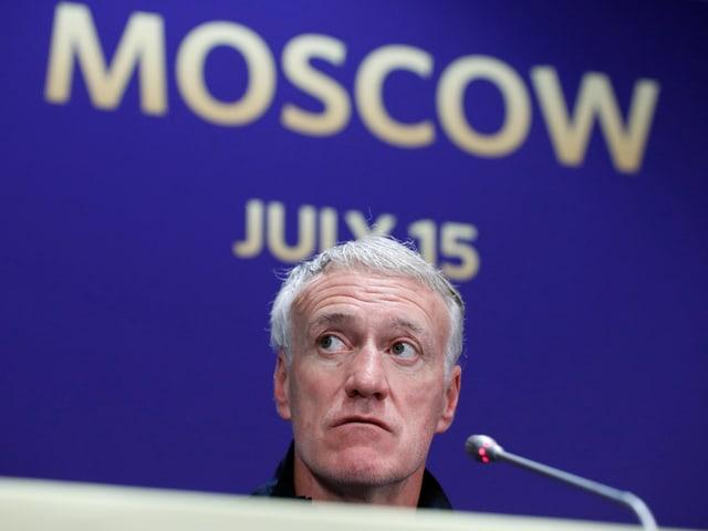 Didier Deschamps bei der Medienkonferenz.