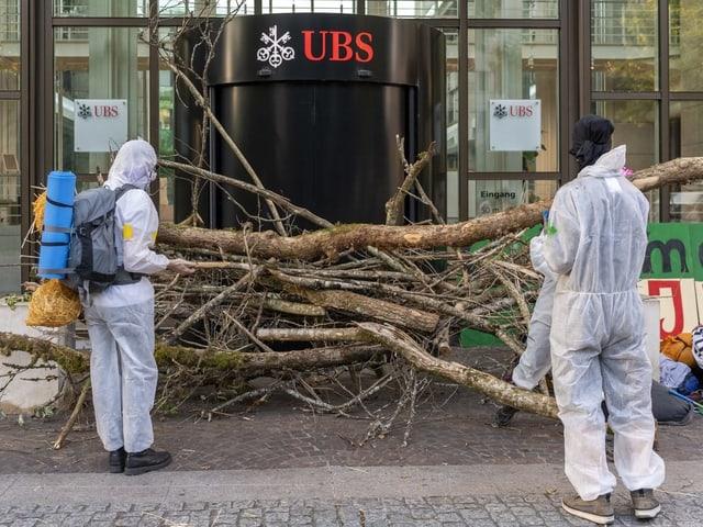 Bäume vor dem Aeschenplatz in Basel.