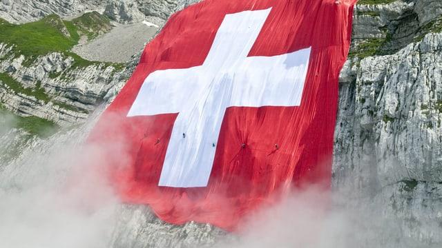 Flagge am Berg.
