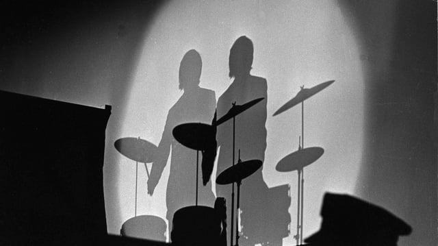 Schlagzeug mit Schattenbild