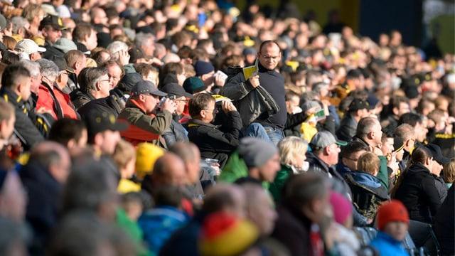 Die Fans bei der SL-Partie zwischen den Young Boys und St. Gallen im Stade de Suisse.
