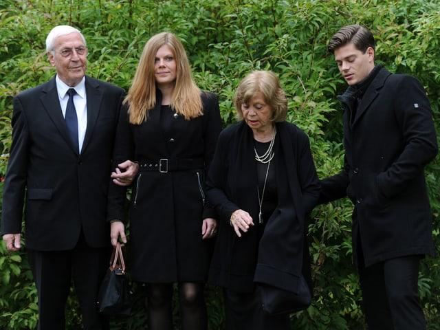 (Bruder Ottmar, Enkelin Jenny, Ehefrau Gundula und Enkel Julien