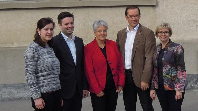 Fotografia da gruppa, d.s.a.d.: Hanna Bay, Jon Pult, Silva Semadeni, Andreas Thöny e Beatrice Baselgia.