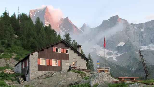 Die Hütte im Abendrot