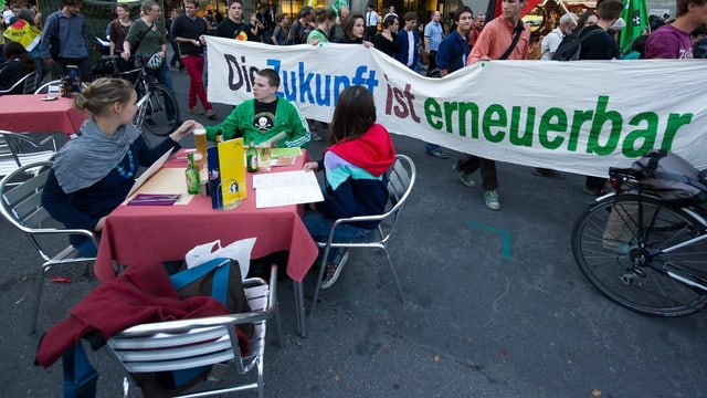 Jugendliche an Demonstration