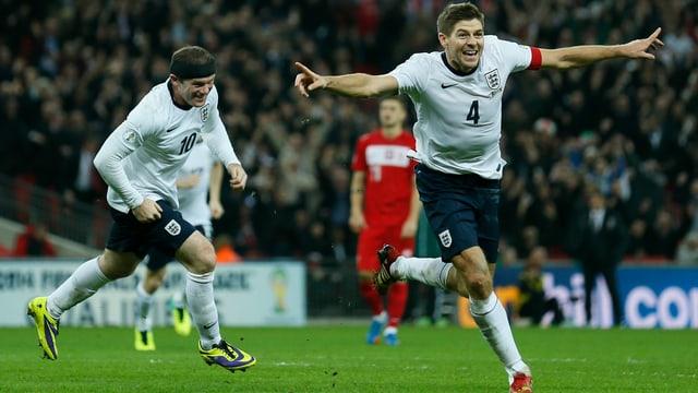 Wayne Rooney (links) und Steven Gerrard erzielten die Treffer für die «Three Lions» beim 2:0-Heimsieg gegen Polen.