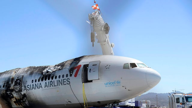 Flugzeugwrack mit Brandspuren