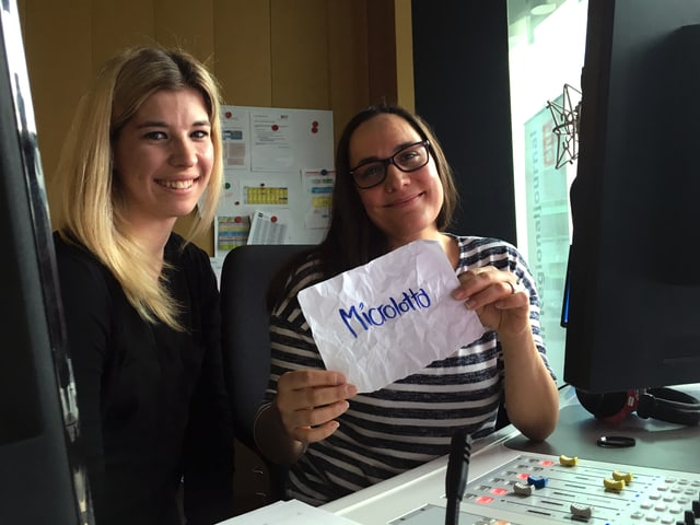 Marina Morgenthaler (san.) e Ladina Schena (dre.) en il studio da RTR.