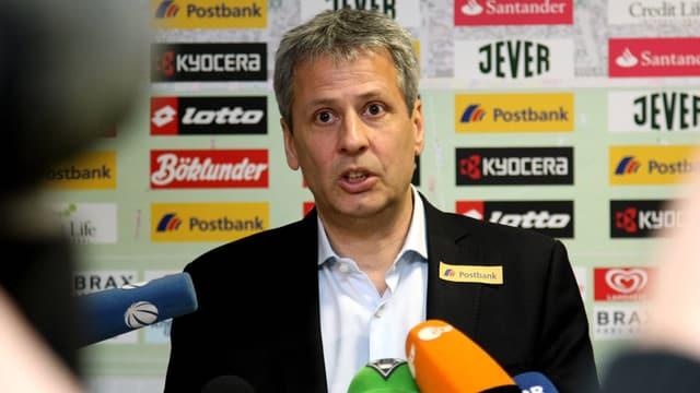 Favre wird in Gladbach Nachfolger des einen Tag zuvor entlassenen Michael Frontzeck.