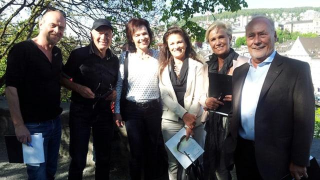 Gruppenfoto der Stadtführungsgruppe mit Joschi Kühne und Regi Sager