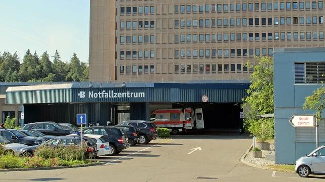 Blick auf das Notfallzentrum im Kantonsspital Baden