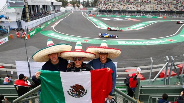 Mexikanische Fans an der Rennstrecke.